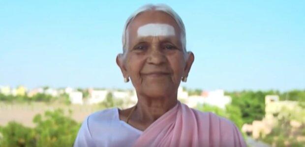 93-jährige alte Frau reiste nach Kenia und arbeitete ehrenamtlich in einem Kinderheim, Details
