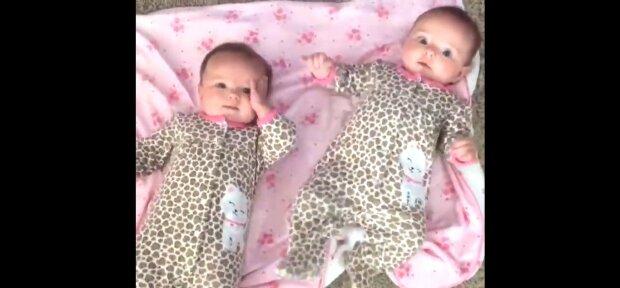 Babies. Quelle: Youtube Screenshot