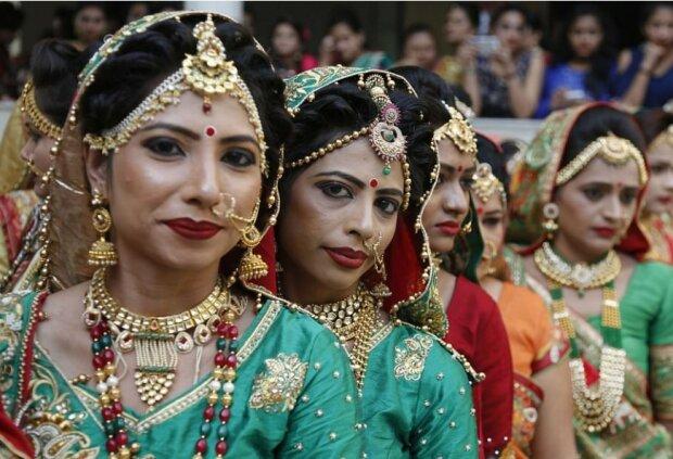Ein Millionär arrangierte Hochzeiten für 250 Paare, die kein Geld dafür hatten