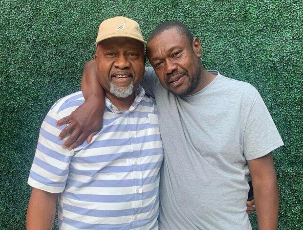 Die Geschichte eines obdachlosen Mannes, der sich nach 20 Jahren Trennung mit seiner Familie wiedervereinigte