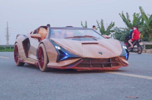Zimmermann baute für seinen Sohn einen Sportwagen aus Holz. Quelle: Screenshot Youtube