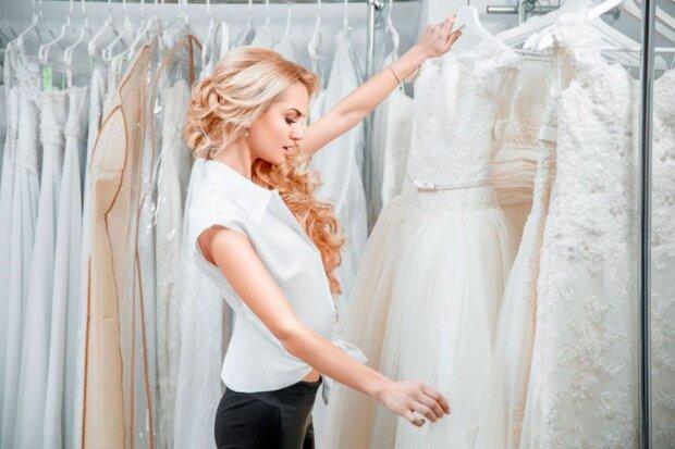 """""""Drei Jahre später"""": Warum Schwiegermutter die Schwiegertochter wegen Undankbarkeit wegen des Hochzeitskleides zurechtwies"""