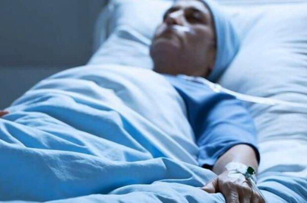 Frau wachte aus einem 27-jährigen Koma auf. Quelle: Screenshot Youtube