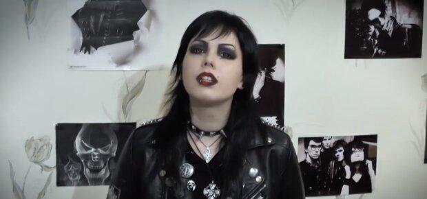 Gothic-Frau.  Quelle:Screenshot YouTube