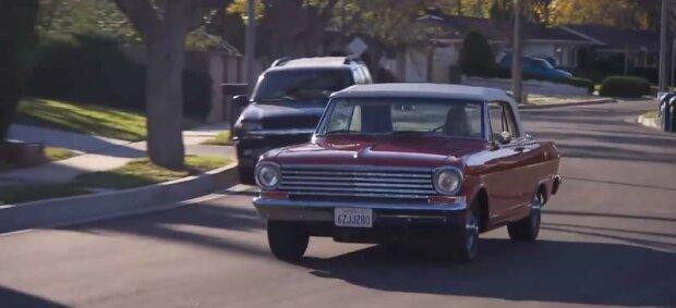 Ein Traum ist wahr geworden: Vater und Sohn haben sechs Jahre lang heimlich vor der Mutter Geld für das Auto ihrer Träume gespart