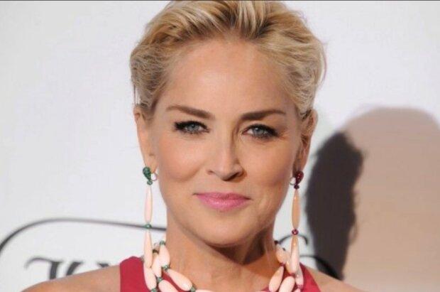 Weise und geliebt von vielen Schauspielerinnen. Quelle: Screenshot YouTube