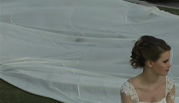Das längste Kleid. Quelle: novosti.com