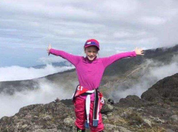 Ein 7-jähriges Mädchen kletterte auf den Gipfel des Kilimandscharo zum Gedenken an ihren Vater