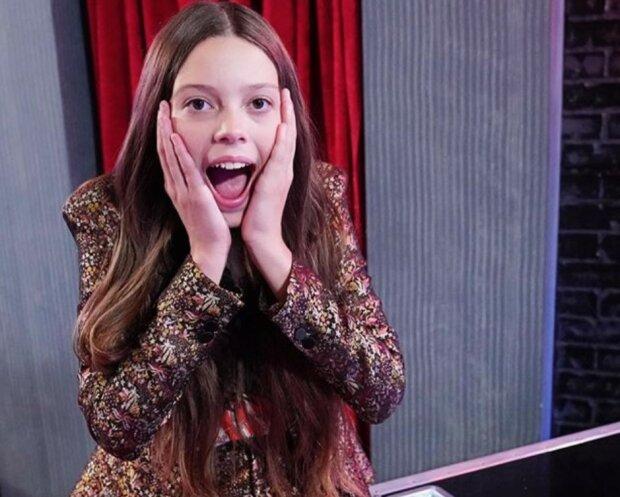 Ein 13-jähriges Mädchen hatte Angst vor der Bühne, aber als es sang, klatschte der ganze Saal