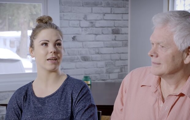 Paar mit Altersunterschied. Quelle: YouTube Screenshot