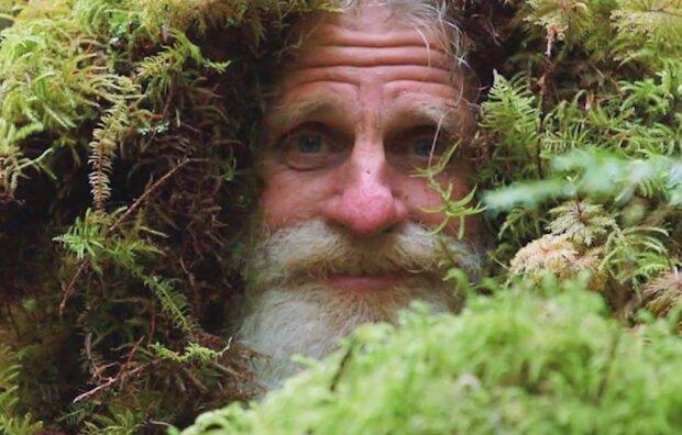Mann lebte seit 6 Jahren im Wald. Quelle: Screenshot Youtube