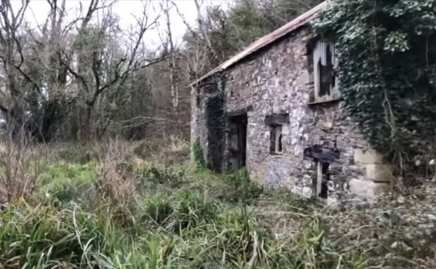 Verlassenes Haus. Quelle: YouTube Screenshot