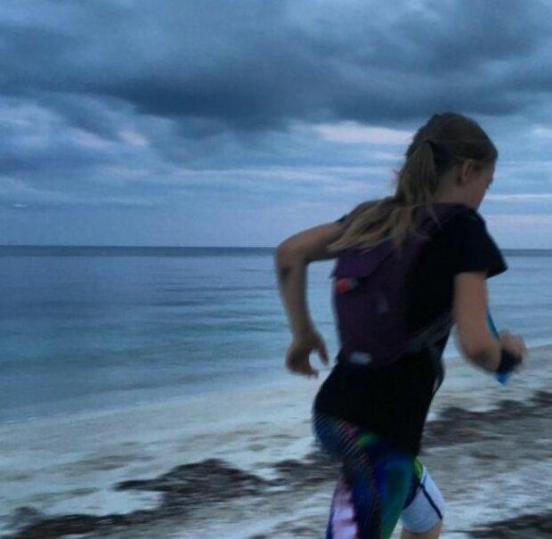 Ein neunjähriges Mädchen lief einen 58-Kilometer-Marathon, um in der Schule Freunde zu finden
