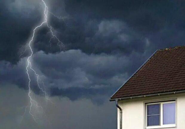 Experten erklärten, warum sich man während eines Gewitters nicht duschen und das Geschirr nicht spülen muss