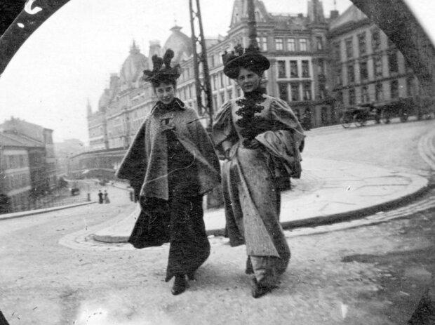 Mysterien der Vergangenheit: Fotos, die im neunzehnten Jahrhundert mit einer versteckten Kamera aufgenommen wurden