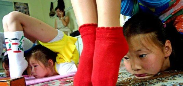Alles für die Karriere: warum Mädchen aus den Familien genommen werden