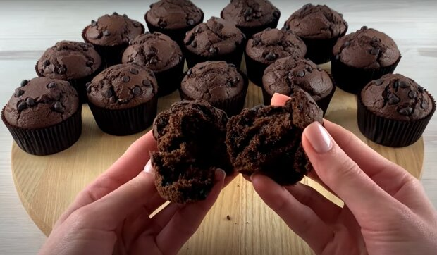 Schokoladen-Muffins. Quelle: YouTube Screenshot