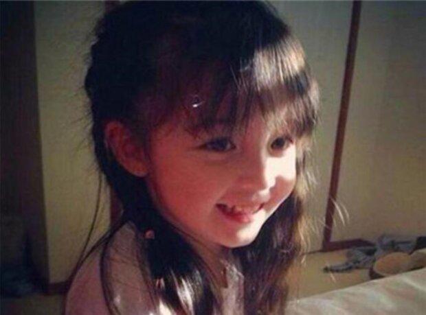 Das Gesicht des Mädchens hatte sich im Laufe der Jahre seltsam verändert. Der Vater vermutete, dass etwas nicht stimmte und ließ einen Test machen