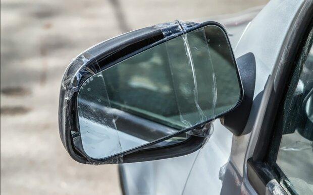Autobesitzerin fand ihren Spiegel abgerissen: Doch ein Zettel, der am Auto lag, änderte ihre Meinung
