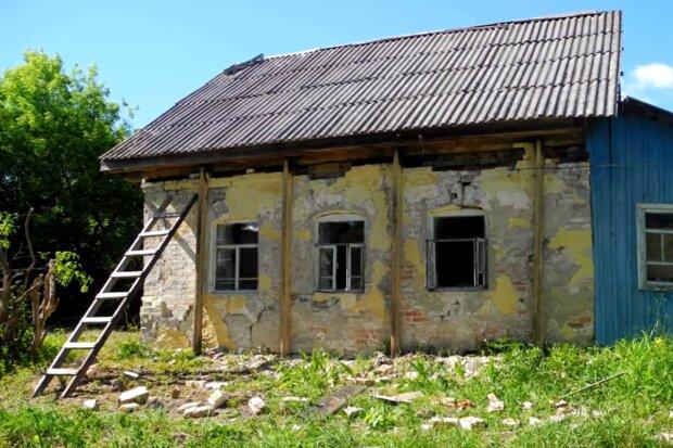 Ein junges Paar baute ein altes Haus in eine Traumbehausung um. Quelle: Screenshot YouTube
