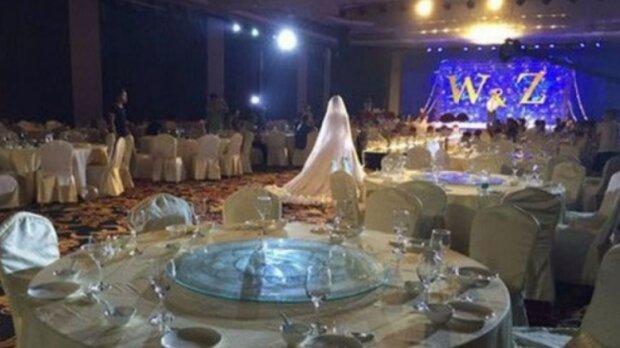 Die Party ging schief: Die Neuvermählten warteten an ihrem Hochzeitstag auf Gäste, aber niemand kam