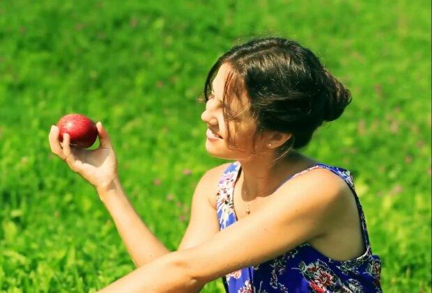 Die Frucht brachte Probleme. Quelle: Screenshot YouTube