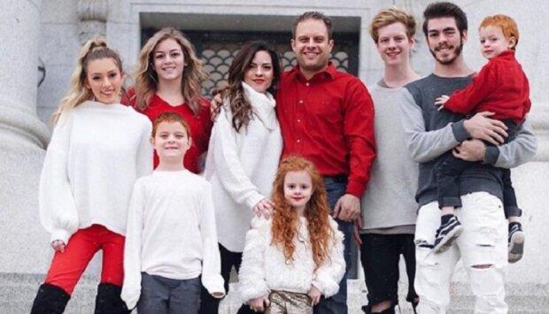 Wie eine 45-jährige Mutter von sieben Kindern es schafft, wie eine 20-jährige Frau auszusehen