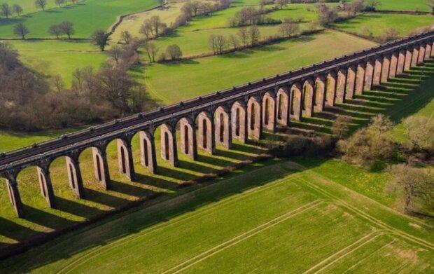 Göltzschtalbrücke: eines der größten Ziegelstein-Viadukte der Welt und Deutschlands