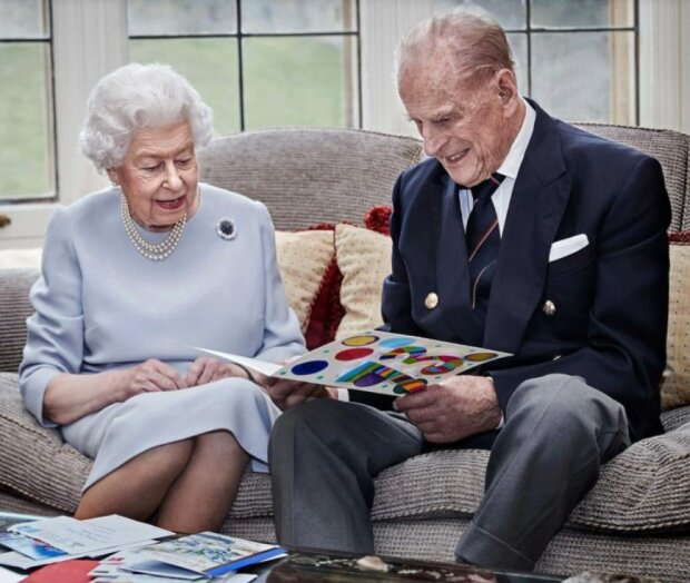 Königin Elisabeth und Prinz Philip feiern ihren Hochzeitstag: die Geschichte der Liebe