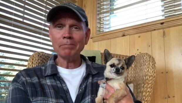 Veteran mit Hund. Quelle: YouTube Screenshot