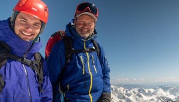 Reisen ohne Smartphone: Vater brachte seinen Sohn in die Mongolei, um ihn von Gadgets abzulenken