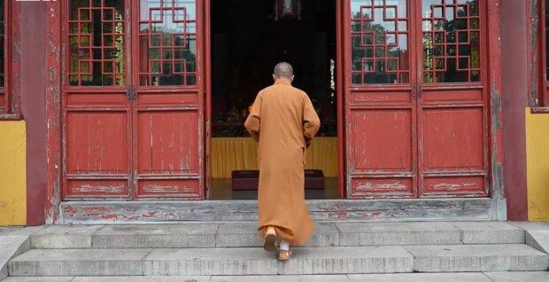Mönch Zhixiang. Quelle: YouTube Screenshot