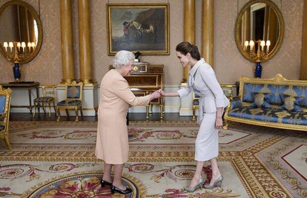 Weltstars, die Königin Elizabeth vorgestellt wurden