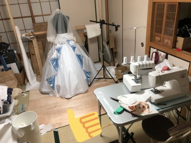 Der Mann verbrachte 6 Monate damit, ein Hochzeitskleid für seine Geliebte zu nähen