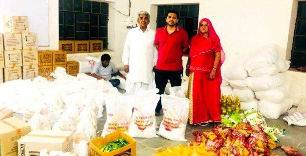 Nachdem er genug Geld verdient hatte, begann der Mann, sich mit Wohltätigkeit zu beschäftigen und Hunderte bedürftige Familien zu ernähren