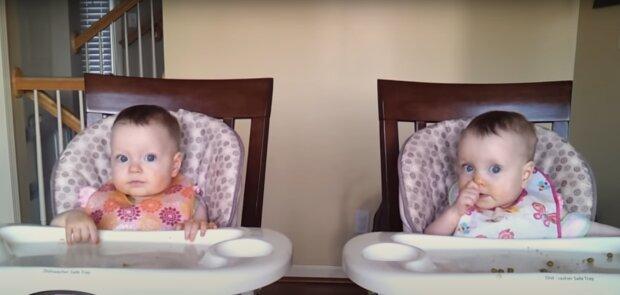 Die blauäugigen Mädchen. Quelle: Screenshot Youtube