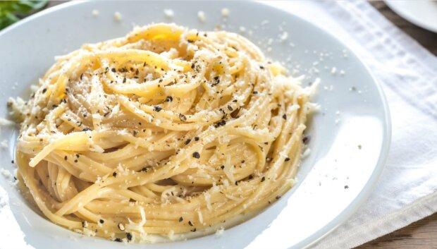 "Pasta ""Cacio e Pepe"": ein original italienisches Rezept"