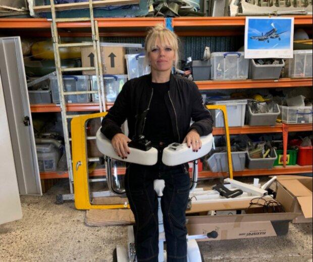 Die Architektin schuf einen Sigway-Rollstuhl, auf dem man stehen kann