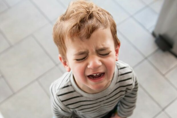 Nicht jeder kann ein Kind schnell beruhigen. Quelle: Screenshot YouTube
