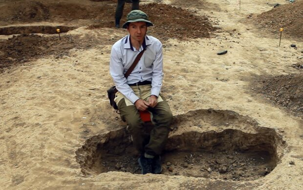 Archäologe. Quelle: YouTube Screenshot