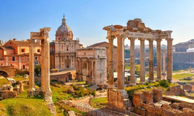 Eine Touristin hat ein Stück Marmor aus dem antiken römischen Forum gestohlen, hat es aber per Post zurückgeschickt