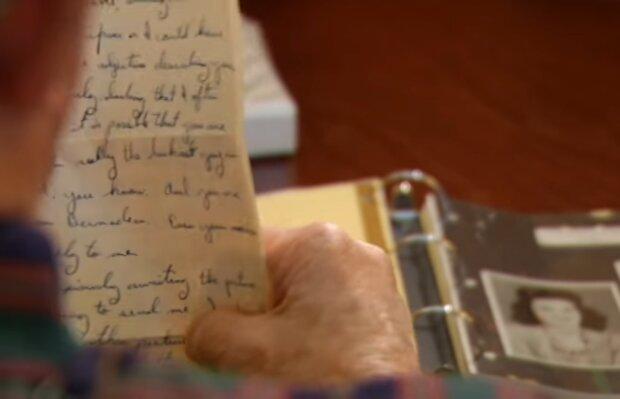 90-jähriger Mann bekam einen Liebesbrief zurück. Quelle: Screenshot Youtube
