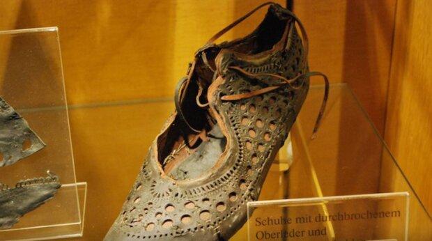 Heute sind sie 2000 Jahre alt: wie römische Schuhe aussehen, die früher beliebt waren