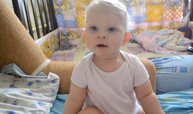 Neugeborenes Baby. Quelle: YouTube Screenshot