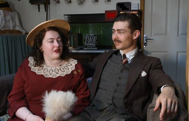Ruth Shelley und Robert Ostman. Quelle: YouTube Screenshot