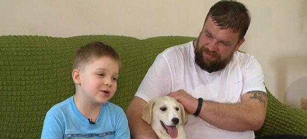 Wie ein sechsjähriger Junge und sein Vater die verlassene Tiere retten