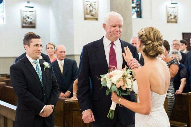 Ein völlig Fremder führte die Braut zum Altar, weil er das Herz ihres Vaters verpflanzen ließ
