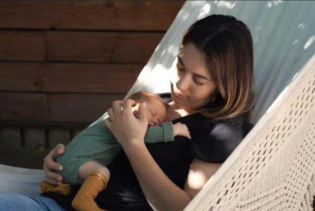 Willkommener Familienzuwachs. Quelle: Screenshot YouTube