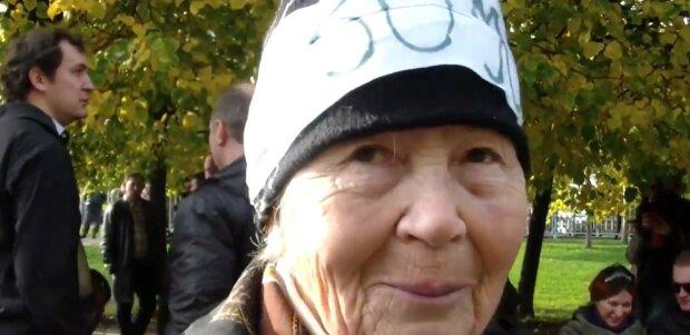 Alter ist kein Hindernis: Wie sich eine 80-jährige Oma nach dem Make-up verändert