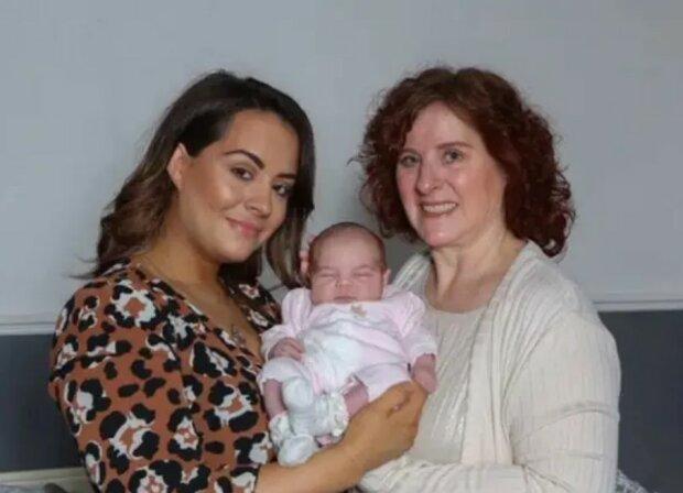 Unter einem Stern: das Baby, Mutter und Großmutter wurden am selben Tag geboren
